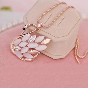 Jewelry - Floating Swan Necklace